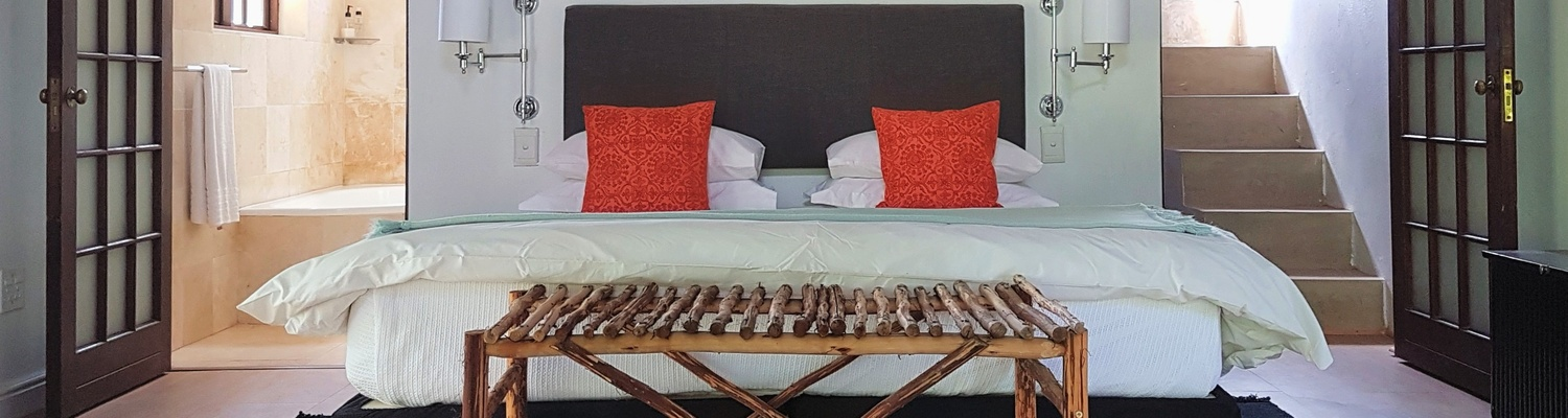 Comfy King SIze bed in Eyrie Cottage